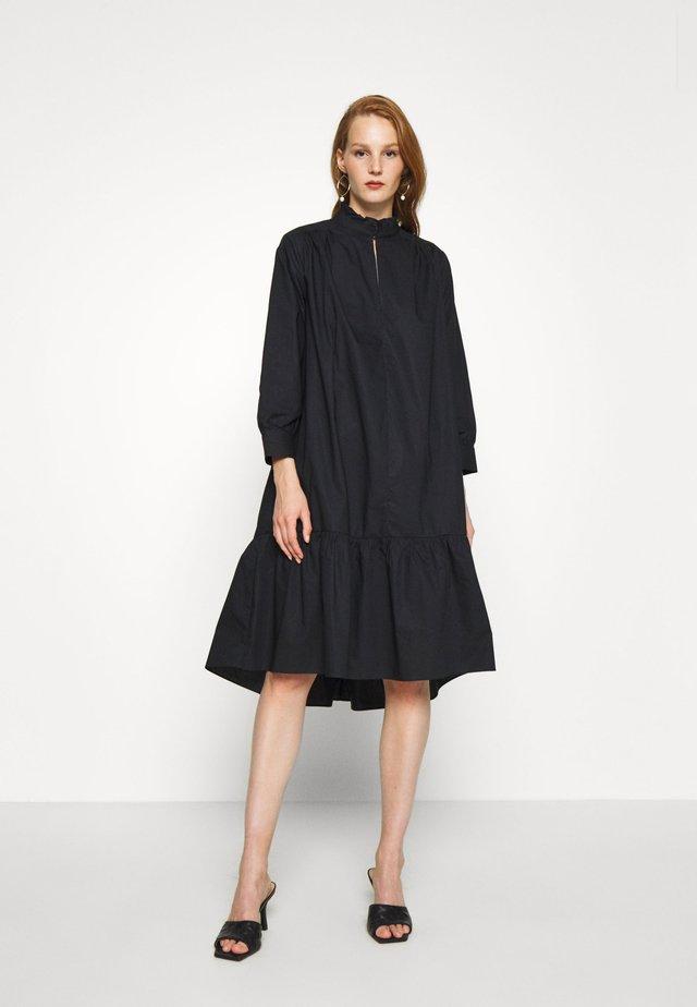 ADDISON DRESS - Korte jurk - caviar