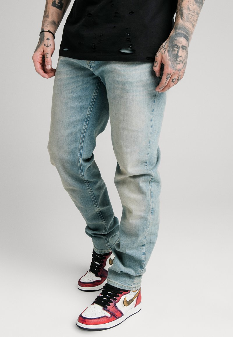 SIKSILK - Relaxed fit jeans - light blue wash