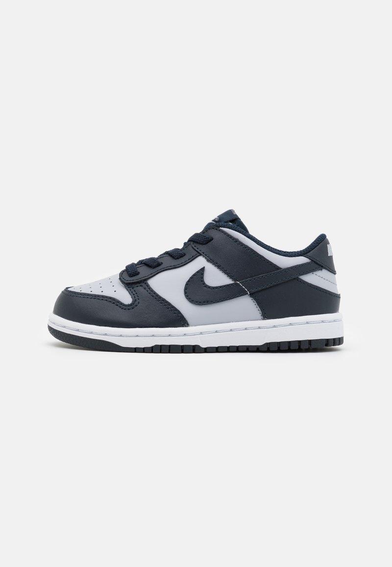 Nike Sportswear - DUNK UNISEX - Sneakers basse - wolf grey/dark obsidian/total orange