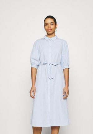 ZHEN NONA DRESS - Košilové šaty - blue
