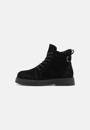 ELA - Korte laarzen - black