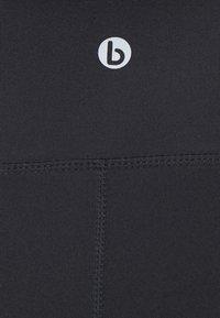 Cotton On Body - CORE CAPRI OVER BELLY TIGHT - Pantalón 3/4 de deporte - core navy - 2