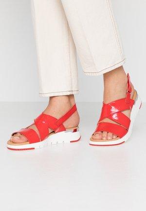 Wedge sandals - chili