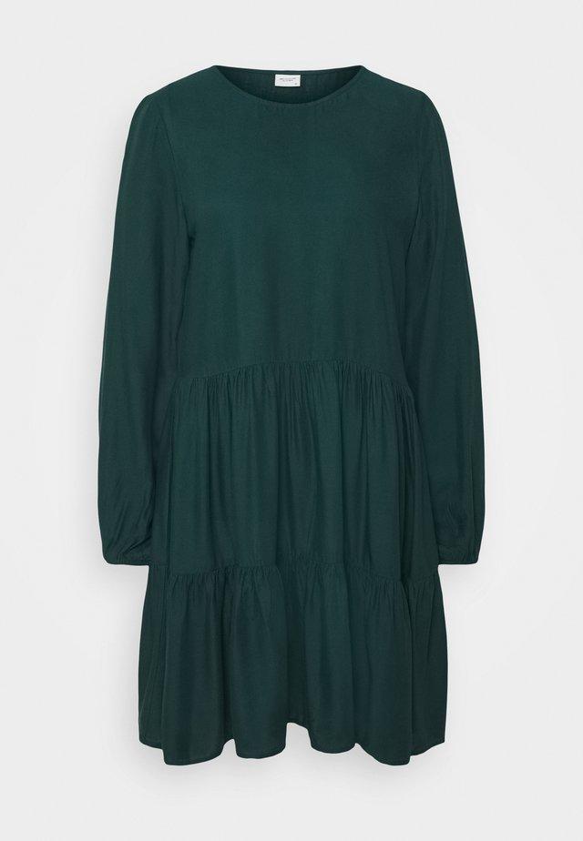 JDYPEANUT DRESS - Denní šaty - dark green