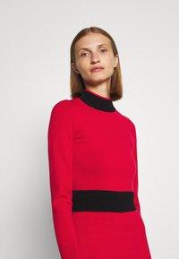 HUGO - SUMERY - Obleka/pulover - dark red - 5