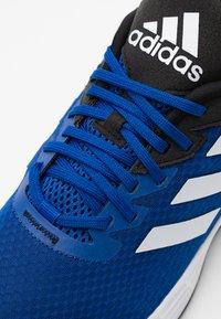 adidas Performance - DURAMO - Zapatillas de running neutras - royal blue/footwear white/core black - 5