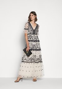 Needle & Thread - MIDSUMMER GOWN - Occasion wear - champagne/black - 1