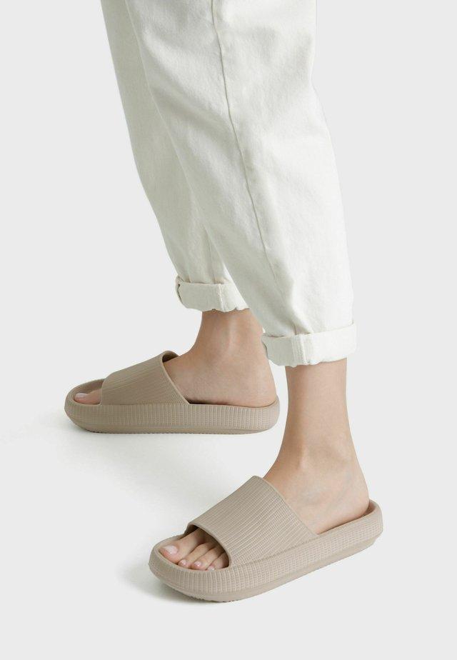 Pantofole - stone
