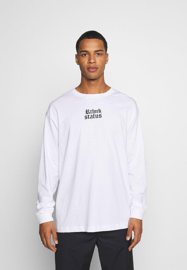 UNISEX REGULAR FIT - T-shirt print - white