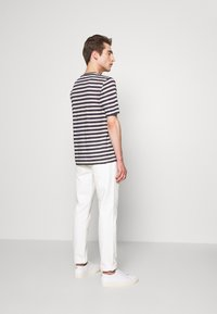 120% Lino - STRIPE - T-shirt imprimé - grey - 2