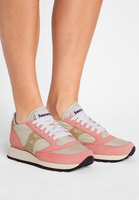 Saucony - JAZZ VINTAGE - Trainers - tan/muted clay - 0