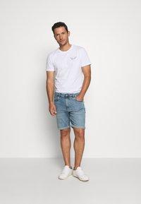 Solid - RYDER BLUE 259  - Denim shorts - blue denim - 1