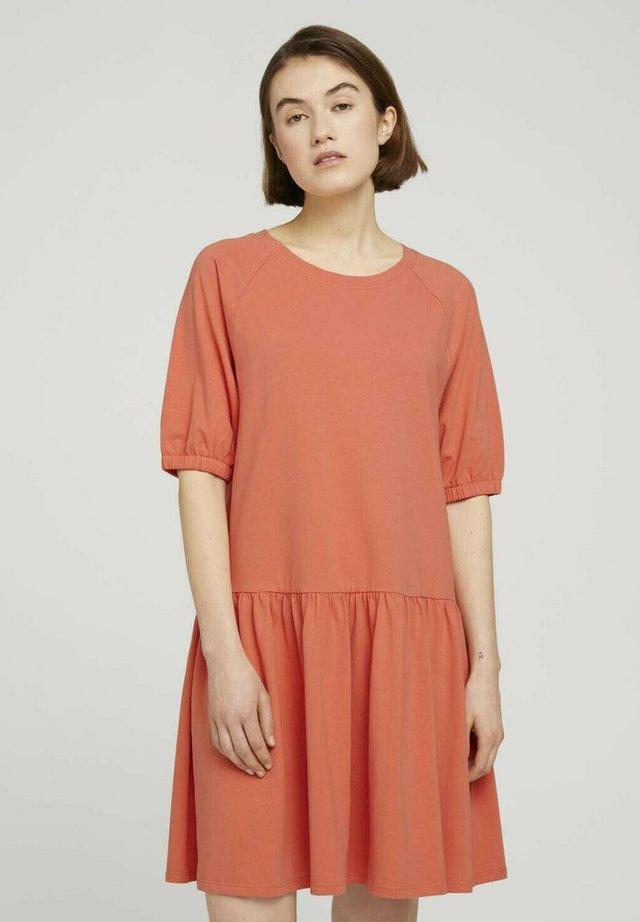 Sukienka z dżerseju - sundown coral