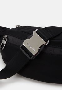 Michael Kors - HIP BAG - Bum bag - black - 4