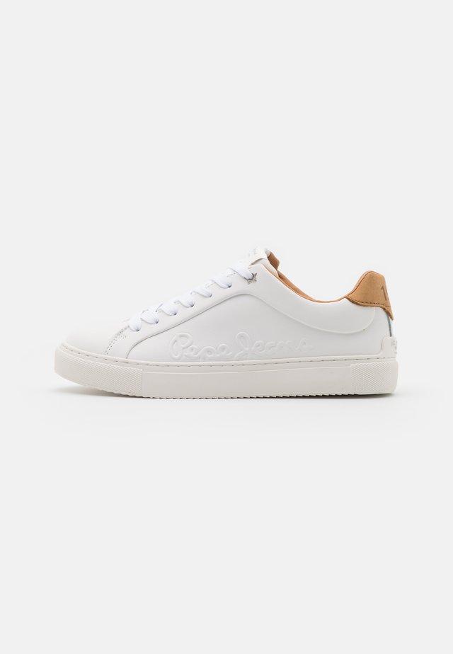 ADAMS LOGO  - Sneakersy niskie - white