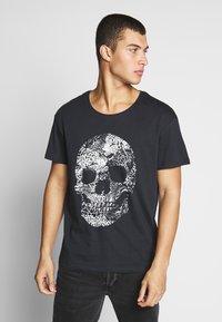 Jack & Jones - JORLEOSKULL TEE - T-shirt print - black - 0