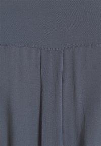 Pieces - PCCECILIE DRESS - Skjortekjole - ombre blue - 2