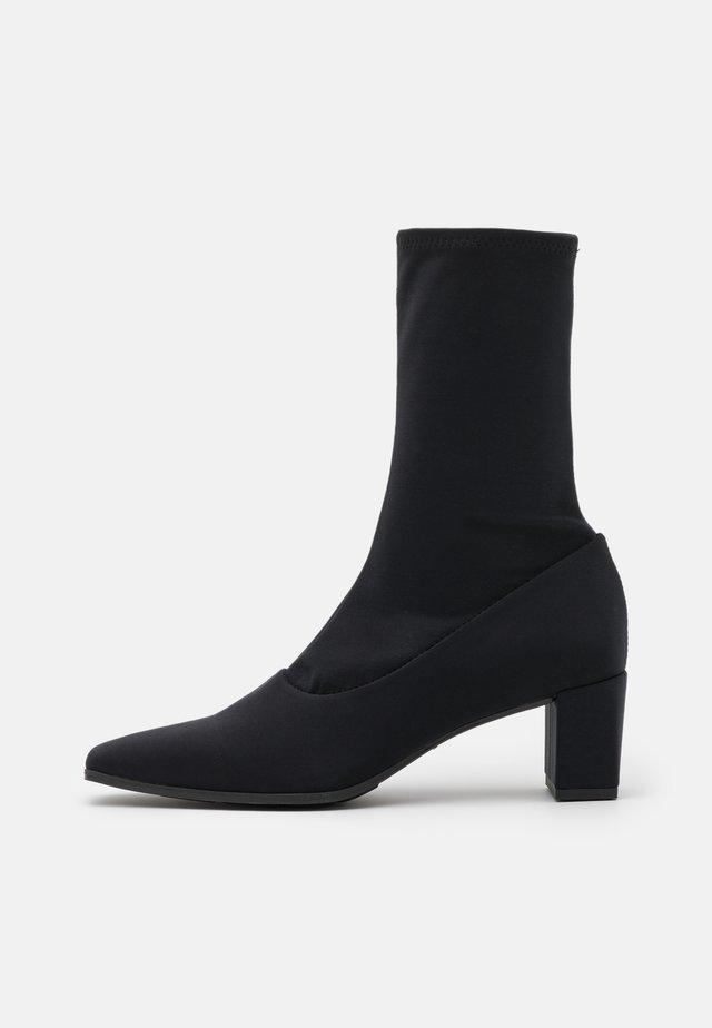 TESSA - Stivali alti - black