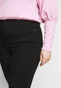 ONLY Carmakoma - CAROP LIFE SUPER - Jeans Skinny Fit - black - 4