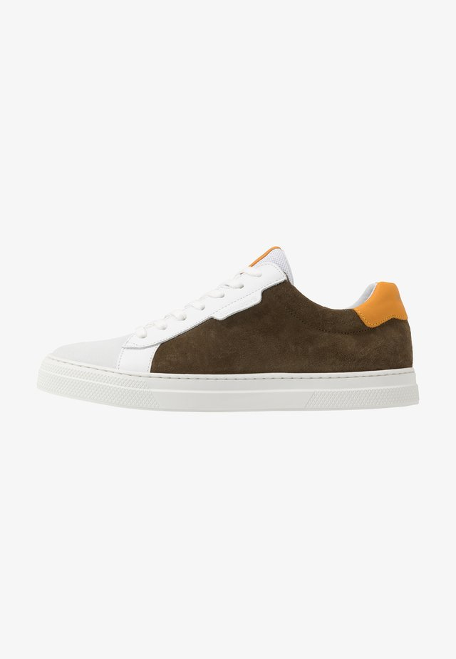 SPARK CLAY - Sneakers - olive/safran