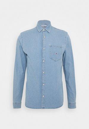 STRETCH SHIRT - Skjorta - denim light