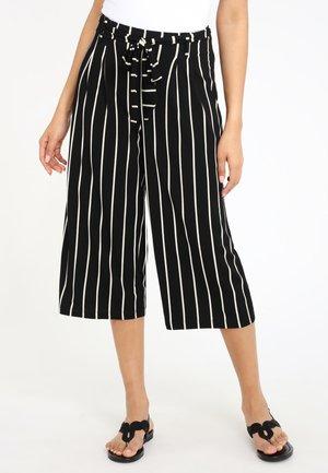 Trousers - schwarz-weiß-gestreift