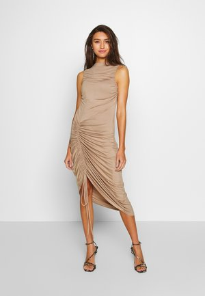 RUCHED SIDE BODYCON DRESS - Cocktailkjole - tan