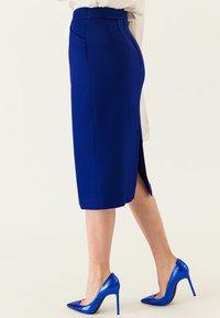 IVY & OAK - Pencil skirt - illuminated blue - 3