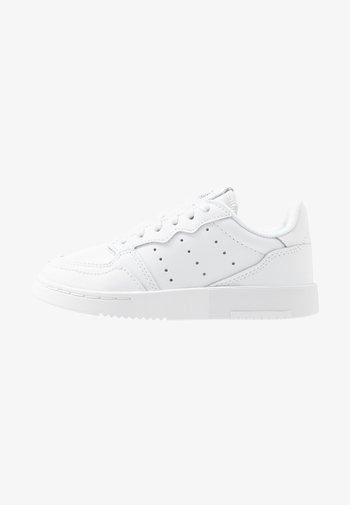 SUPERCOURT - Sneakers laag - footwear white/core black