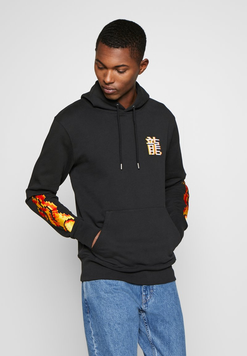 Bricktown - DRAGON SIGN SMALL - Hoodie - black