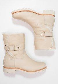 Panama Jack - FELIA IGLOO TRAVELLING - Classic ankle boots - offwhite - 2