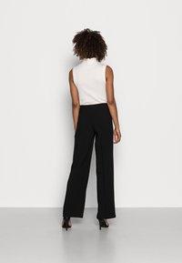 Anna Field - CLEAN WIDE LEG PANTS  - Trousers -  black - 2