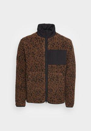 LEPOARD PRINTED BORG JACKET - Chaqueta de invierno - brown