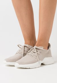 s.Oliver - LACE UP - Trainers - light grey - 0