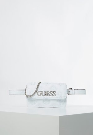 GUESS GÜRTELTASCHE GUESS CHIC - Bum bag - weiß