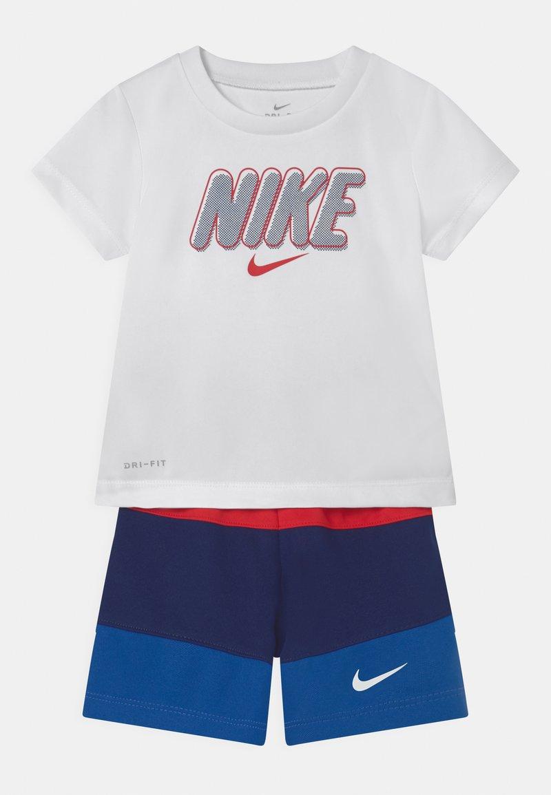 Nike Sportswear - BLOCKED SET - T-shirt con stampa - blue/red