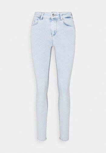 ONLBLUSH LIFE MID RAW - Skinny džíny - light blue denim