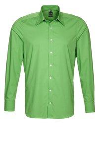 OLYMP Level Five - OLYMP LEVEL 5 BODY FIT - Koszula biznesowa - grün - 0