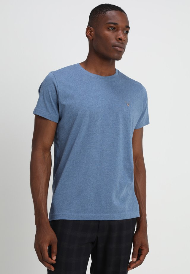 THE ORIGINAL - Basic T-shirt - denim blue mel