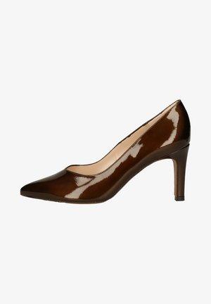 High heels - granola
