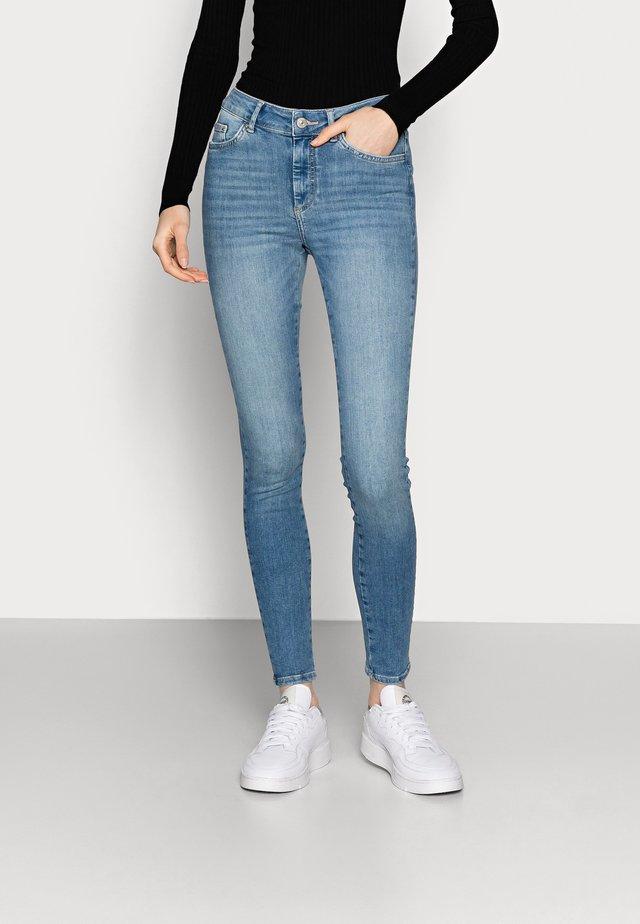 PCDELLY  - Skinny džíny - light blue denim