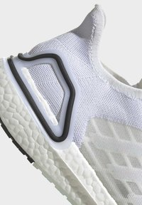 adidas Performance - ULTRABOOST SUMMER.RDY SHOES - Zapatillas de running neutras - white - 7