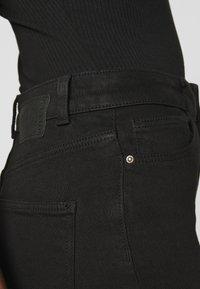 Pieces Petite - PCKAMELIA ANKLE - Jeans Skinny Fit - black - 4
