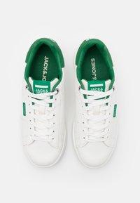 Jack & Jones Junior - JRBANNA - Trainers - white/green - 3