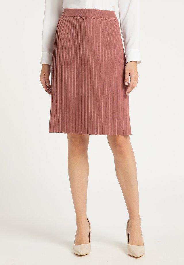 Falda plisada - dunkelrosa