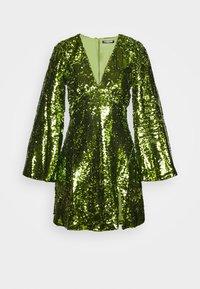 Fashion Union - THUMBELINA - Cocktailkjoler / festkjoler - green - 5