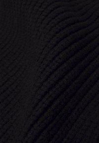 Moss Copenhagen - GALINE RACHELLE SCARF - Huivi - black - 2