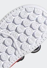 adidas Originals - FORUM 360 I ORIGINALS CONCEPT SNEAKERS SHOES - Sneaker low - core black/ftwr white/vivid red - 9