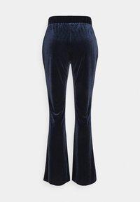 Vila - VIVELVETTA FLARED PANT - Tracksuit bottoms - navy blazer - 1