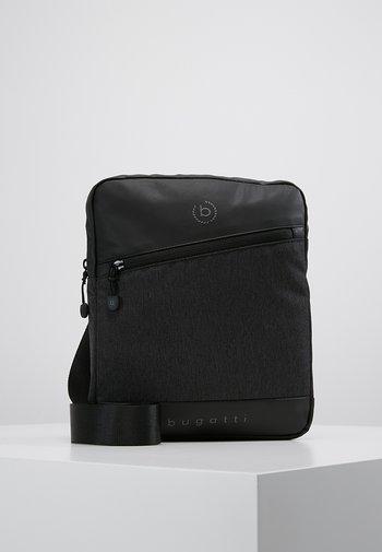 SMALL CROSSBODY BAG - Taška spříčným popruhem - black/grey